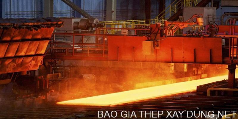 Sản xuất thép tấm tại nhà máy cán thép