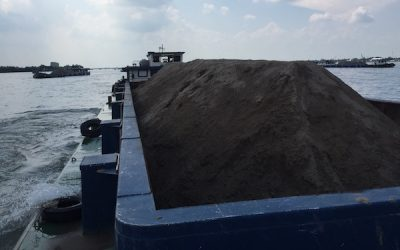 Giá cát tăng mạnh làm nhiều nhà thầu điêu đứng